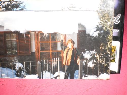 Ana María en invierno de San Martín de Los Andes. Argentina